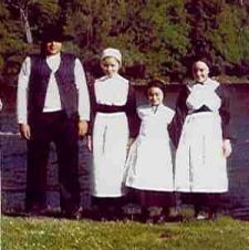 Amish Women dont Wear Jewellery